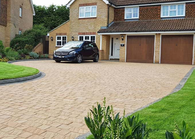 Attention to detail and finish are highlighted in this elegant and spacious driveway.