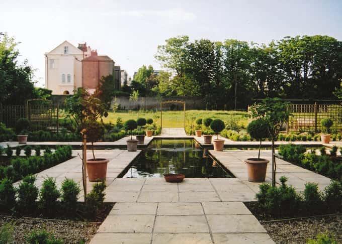 St. Augustine\'s Abbey meditative garden