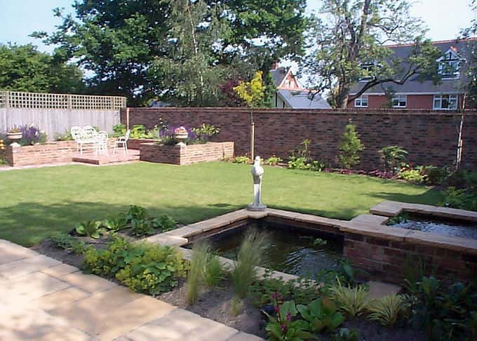 TO  Private garden - Mid Kent (Jennifer Frazer Garden Design)