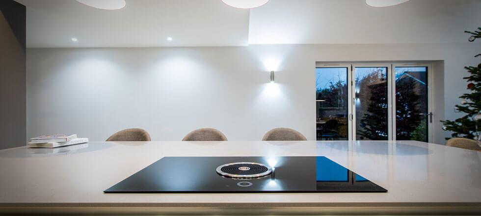 Streamlined white kitchen 07