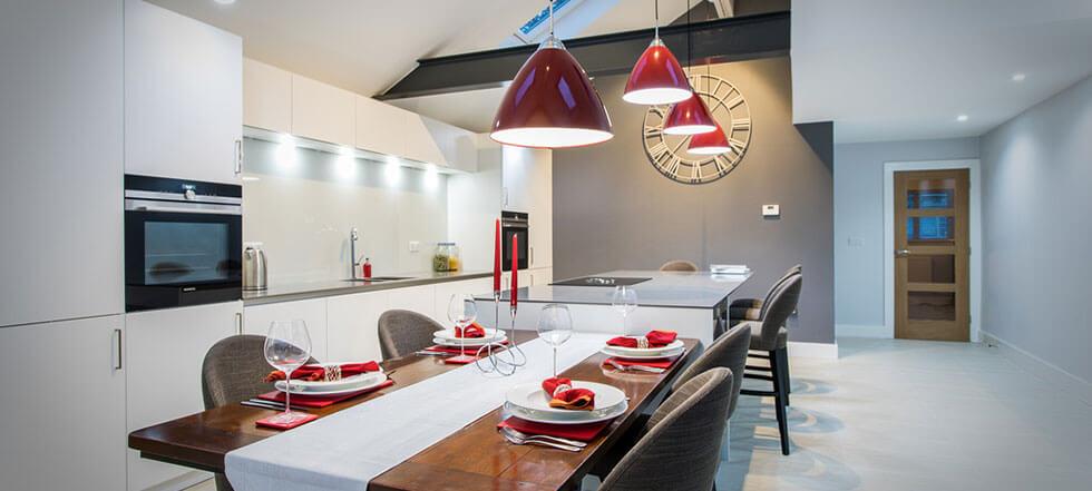 Streamlined white kitchen 06