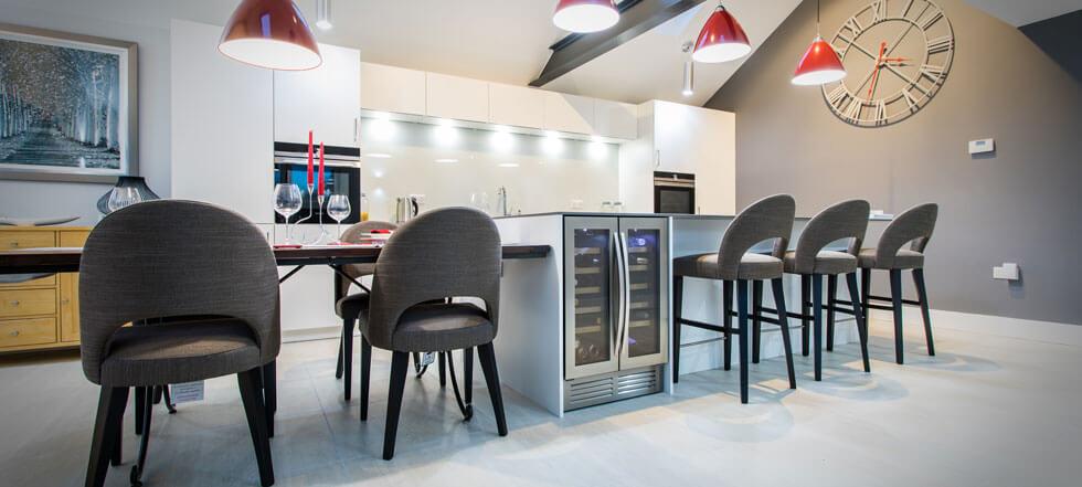 Streamlined white kitchen 02