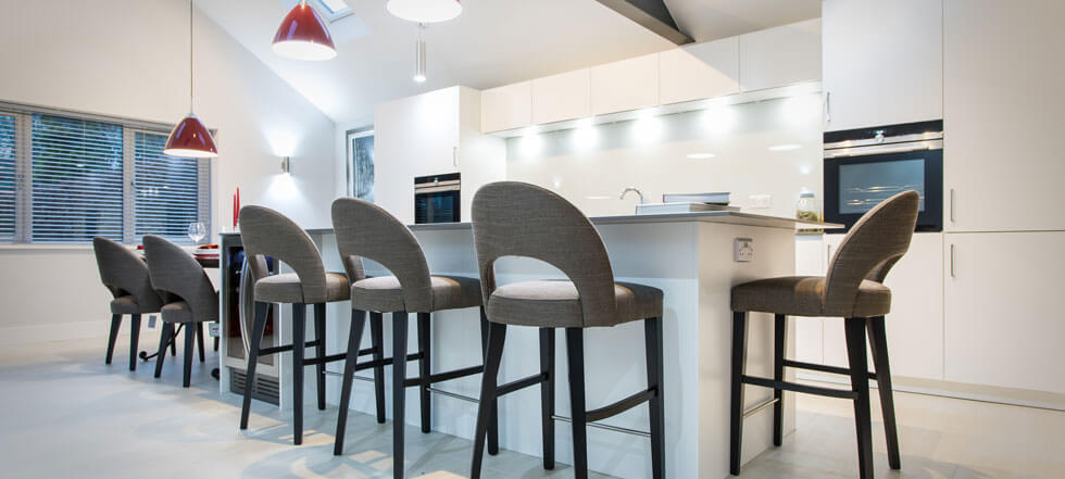 Streamlined white kitchen 01