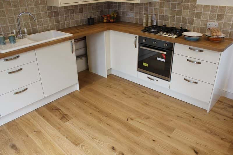15x140 Engineered Oak Lacquered - Character Grade