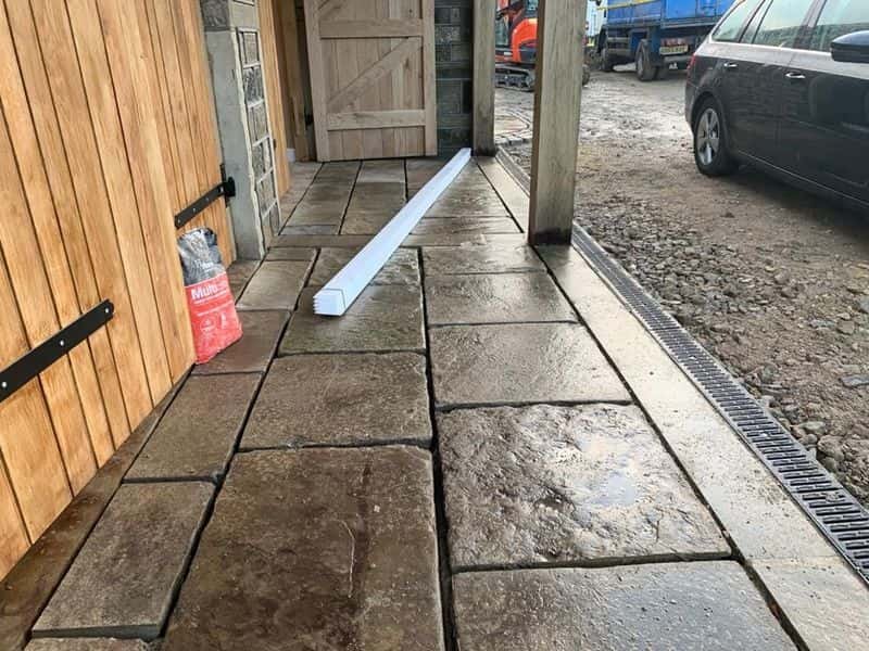 Reclaimed Coursed Yorkstone