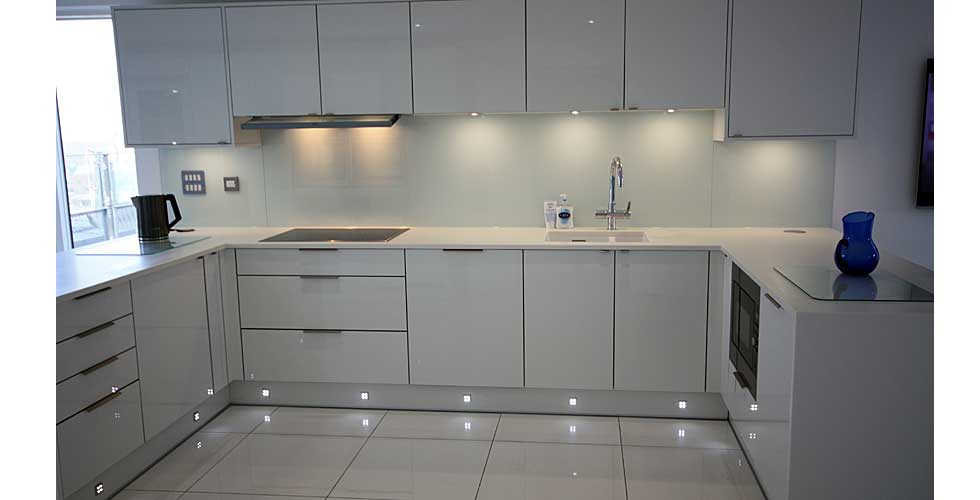 Fitted Contemporary Kitchen Greenwich