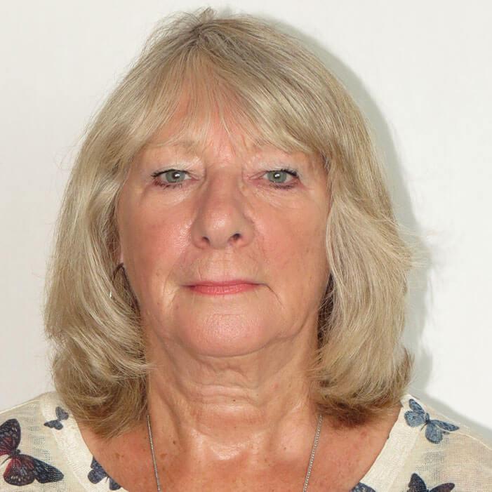 Mrs Jean Barrett