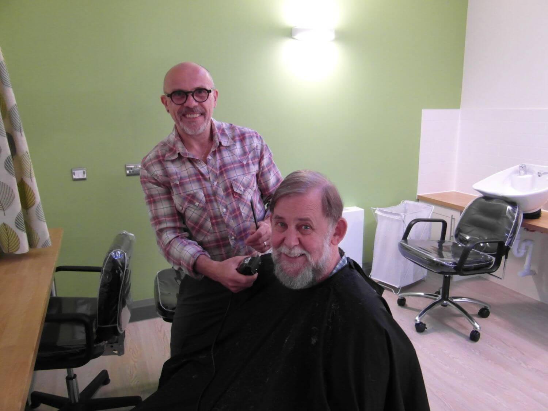 Shaun cutting hair