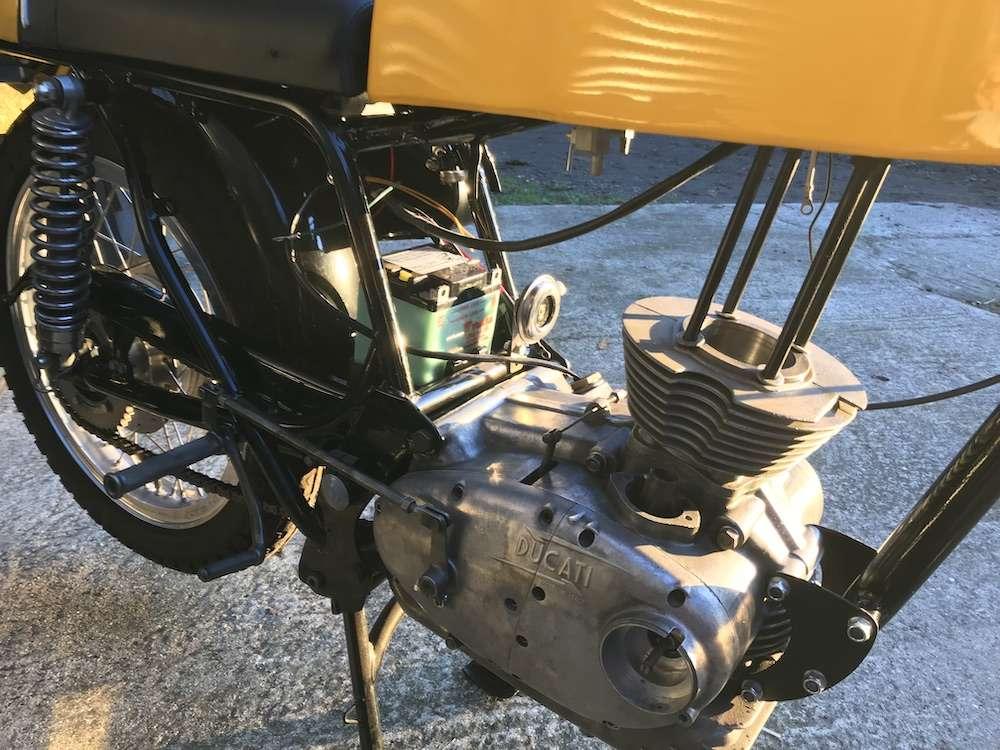 Ducati 350 Desmo 1