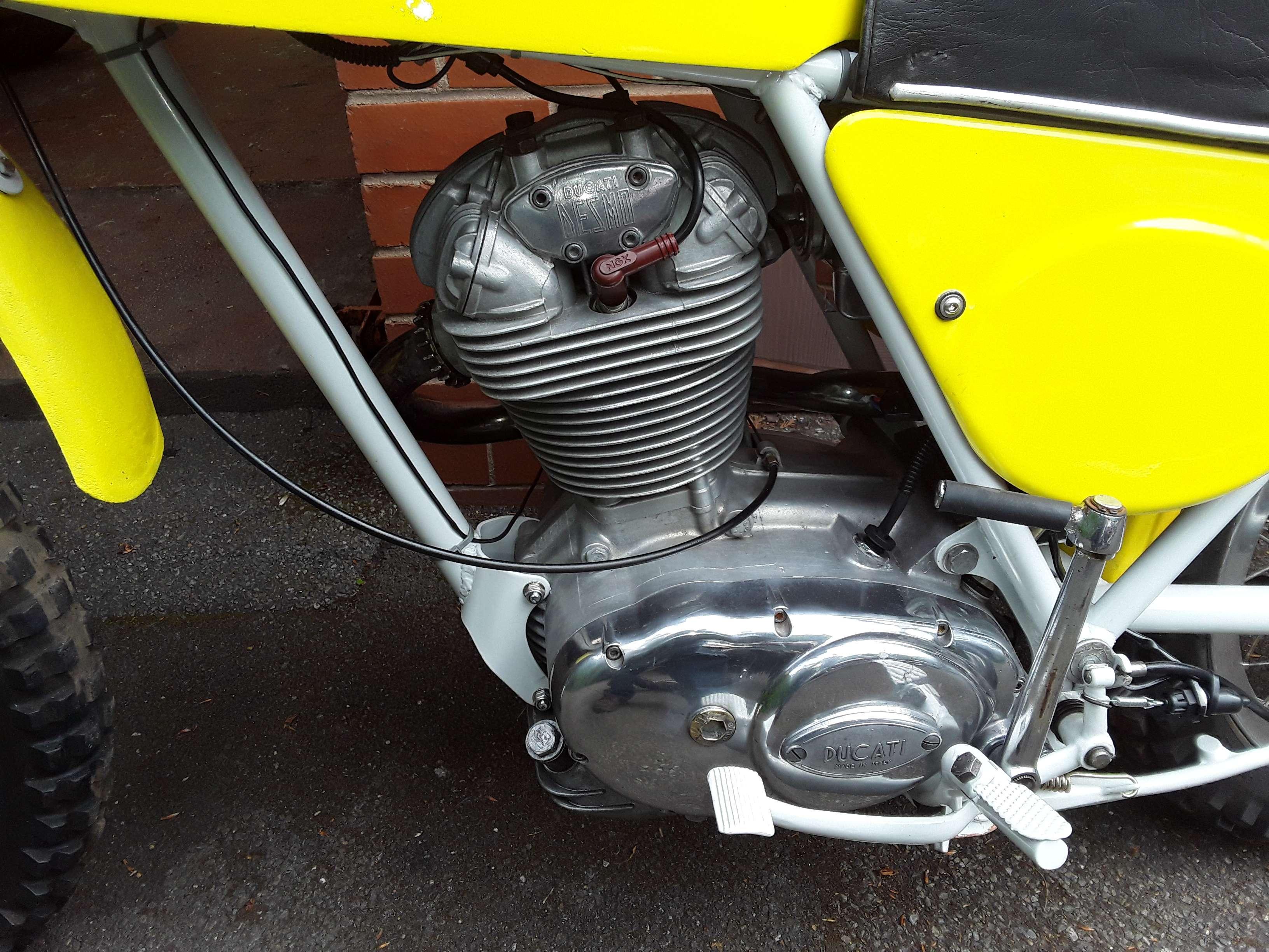 Ducati 450 R/T Desmo 1