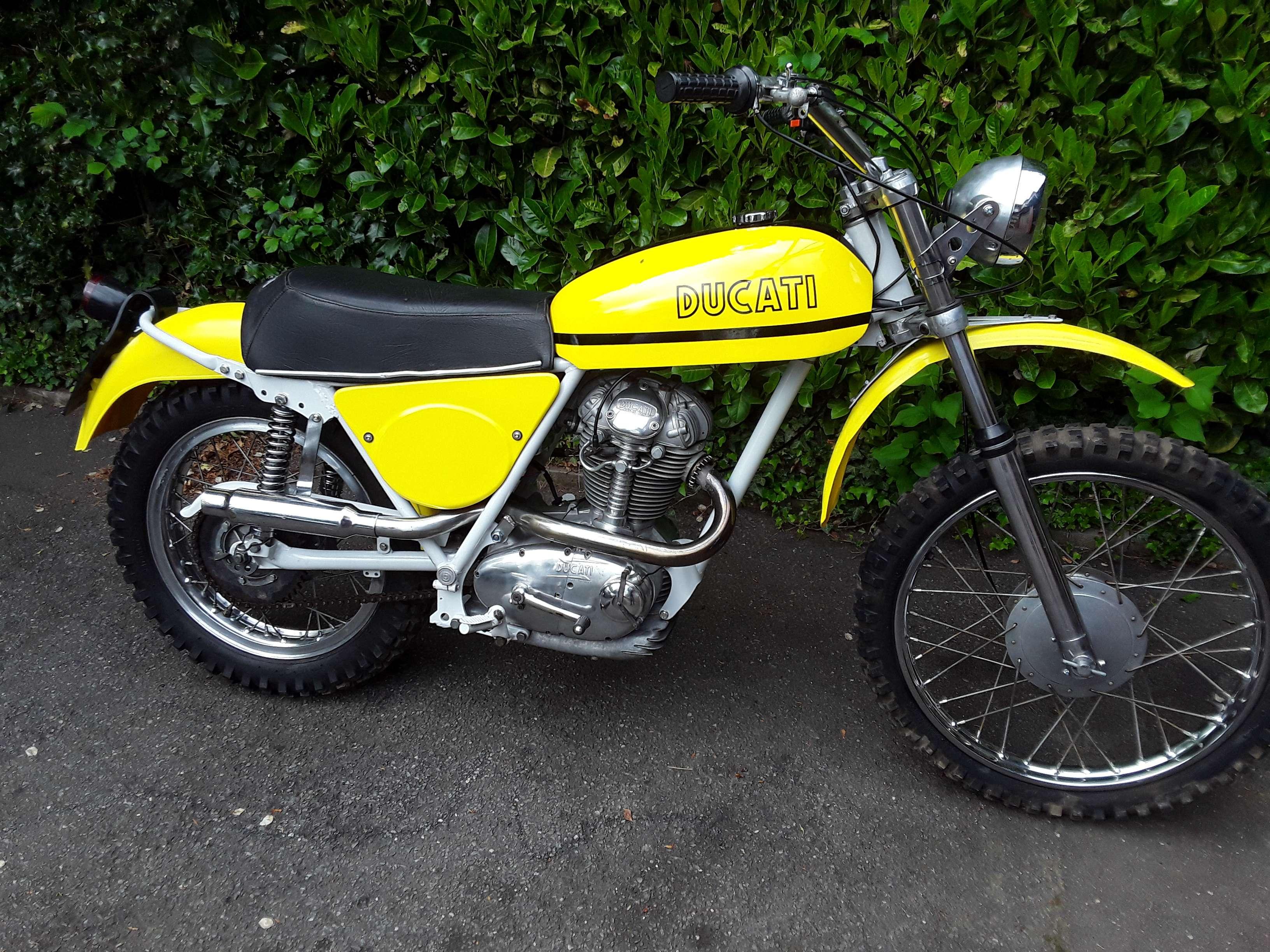 Ducati 450 R/T Desmo 2