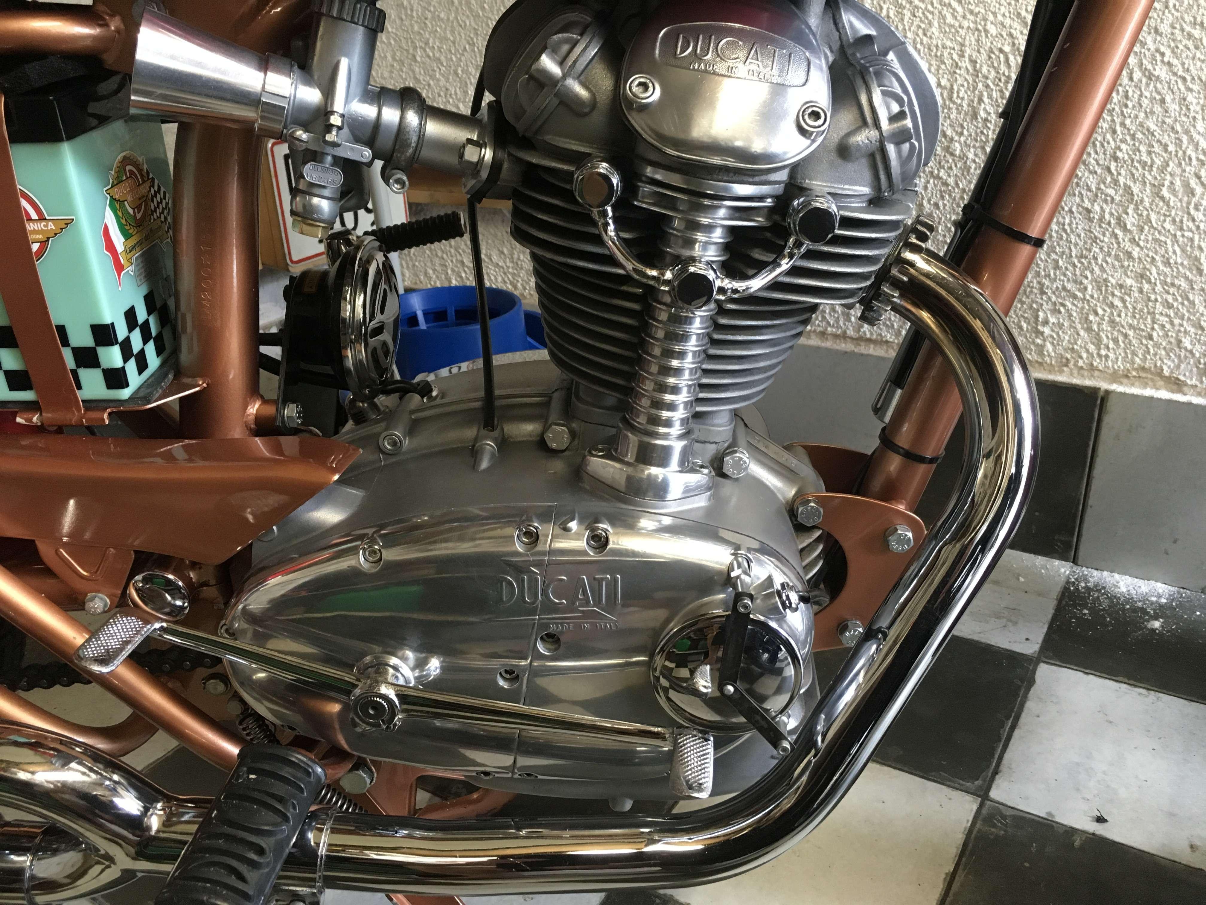 Ducati 200 Elite 4
