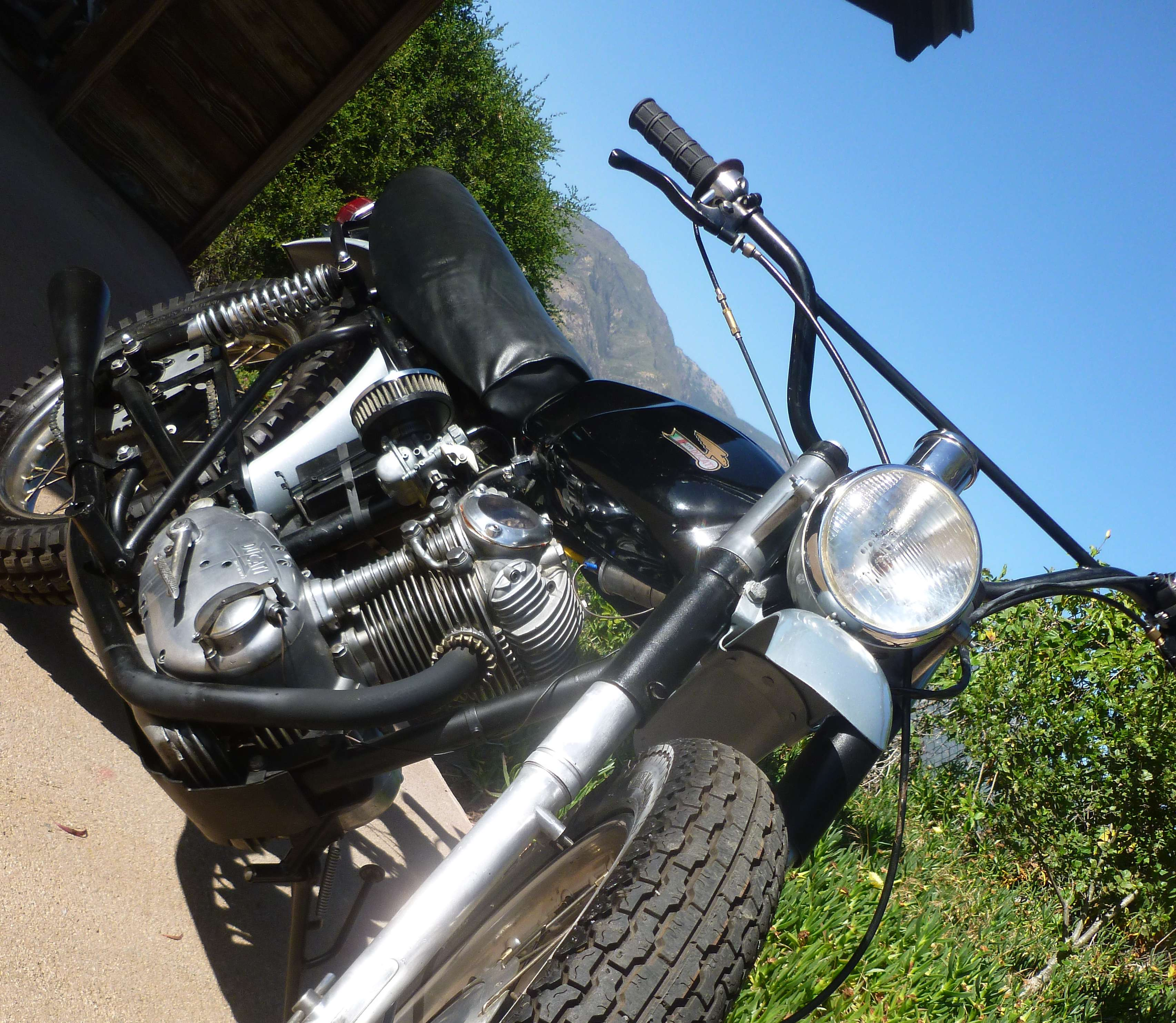 Ducati 1965 Scrambler 250 Narrow case 10
