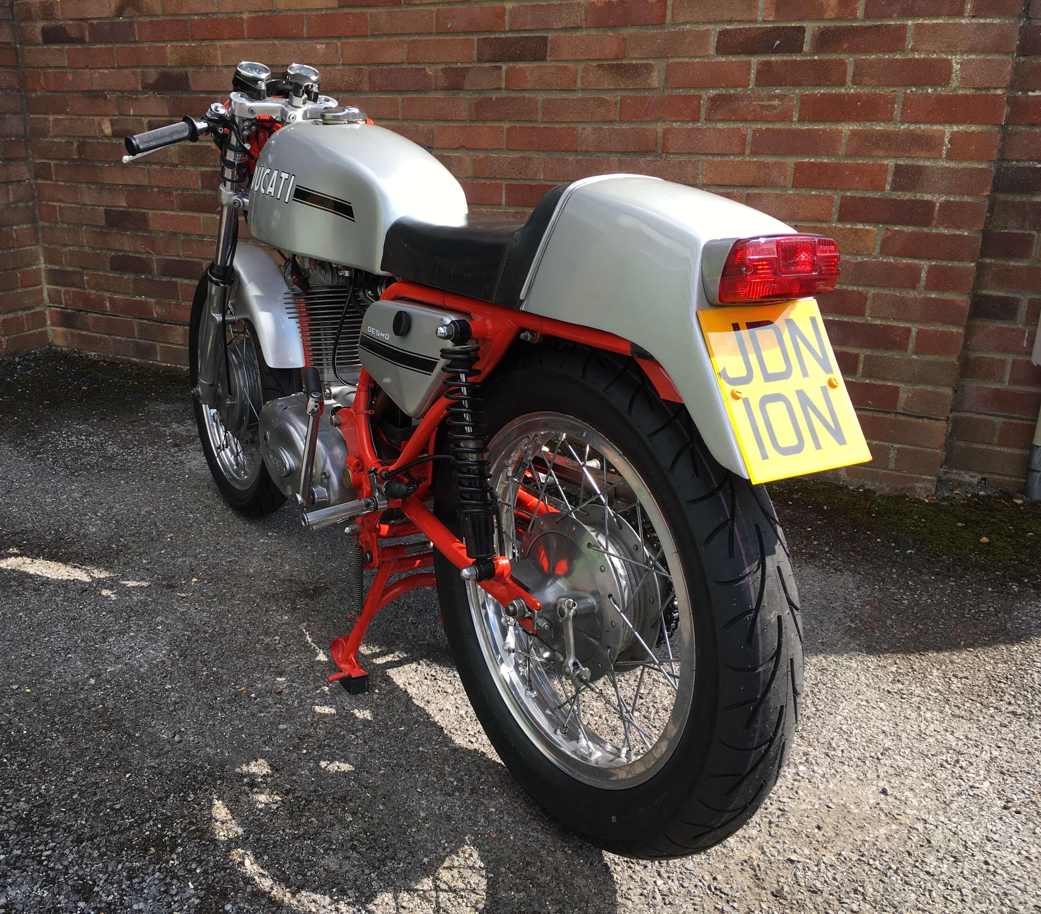 Ducati 450 Desmo 1972 7