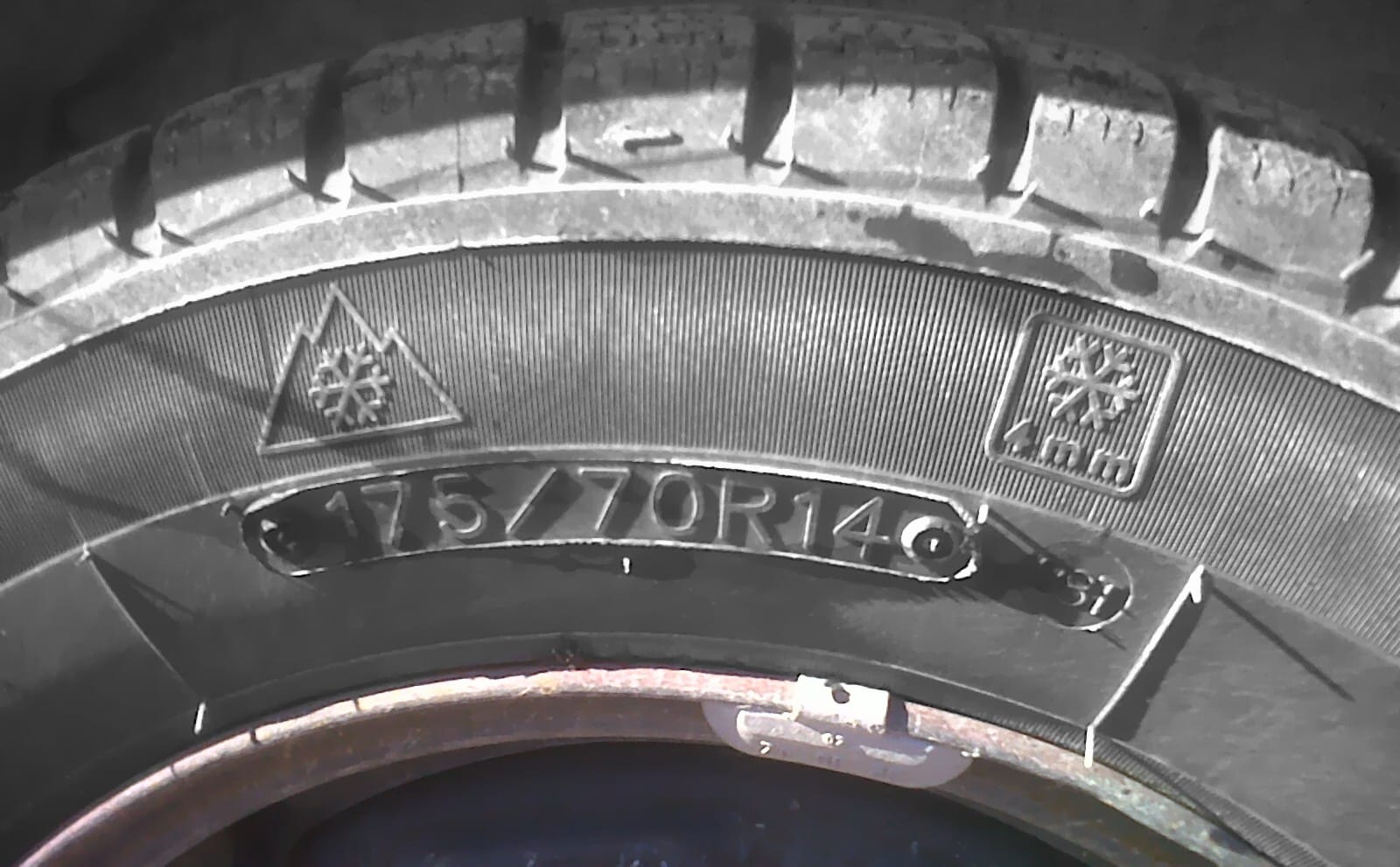 Picture of Winter Tyre Symbols