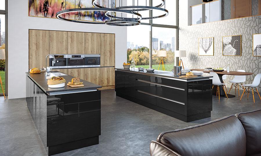 Zurfiz Halifax Natural Oak, Ultragloss Black Kitchen
