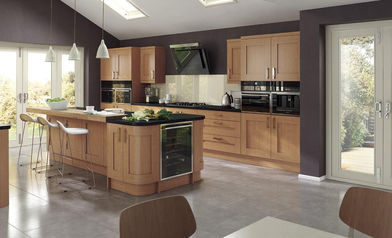 Uform Windsor Shaker Oak Kitchen