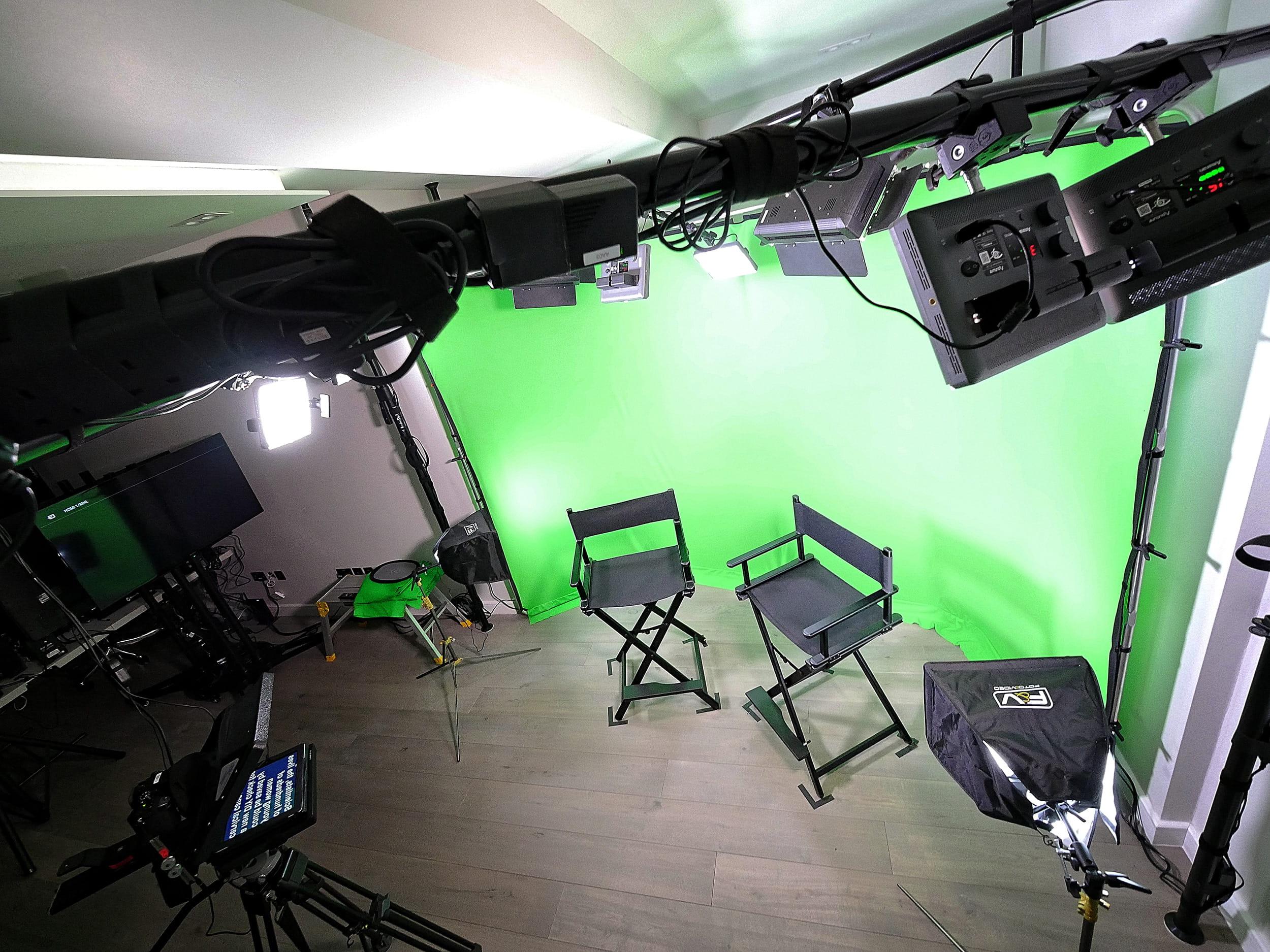 Virtual set area in Glenn Kinsey's training studio, London