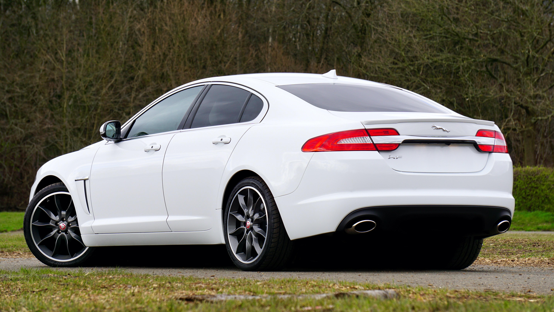 Jaguar LandRover Company Vehicles Website Device Screenshots