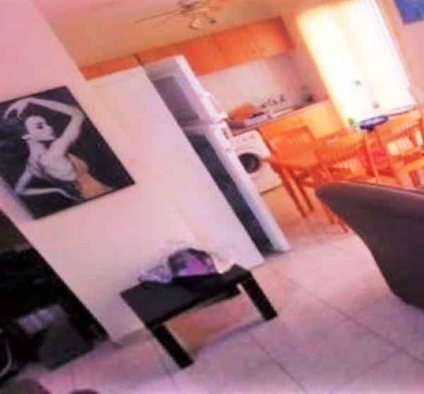 Homely 2 bedroom flat in the popular Makenzie area of Larnaca