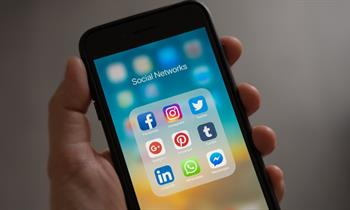 Facebook vs. Instagram: Which Social Media Platform is Right for Your Business?
